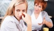 """""""Mijn kritische schoonmoeder doet me opzien tegen de feesten"""" Onze relatiedeskundige geeft advies"""